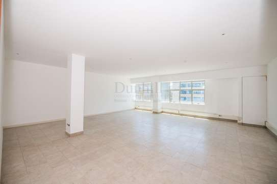 900 ft² office for rent in Westlands Area image 12