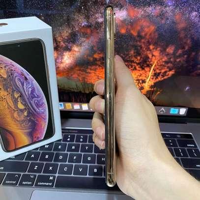 Iphone XS Max image 4