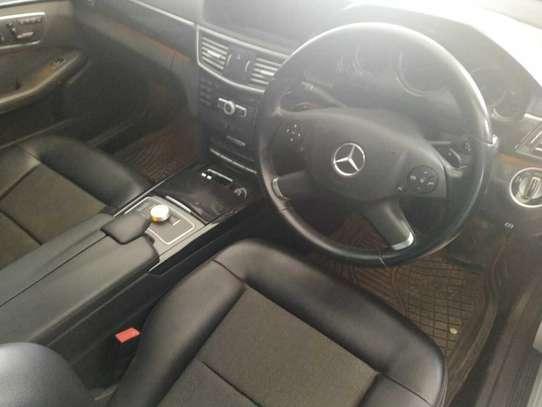 Mercedes-Benz E350 image 5
