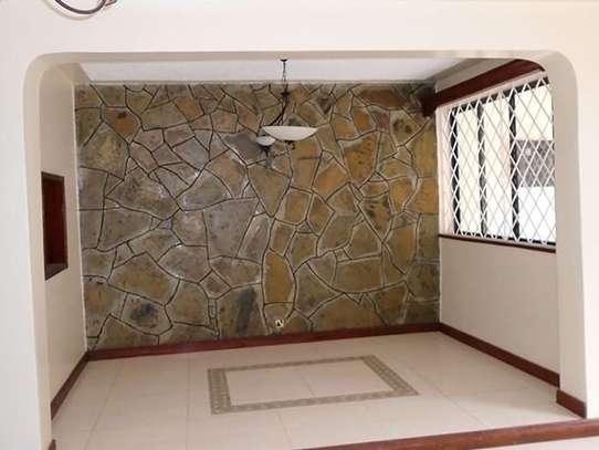 3 bedroom house for rent in Kileleshwa image 3