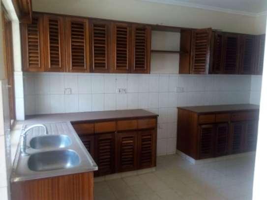 Elegant 3 Bedrooms Apartment To Let in Kilimani image 9