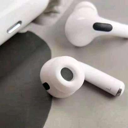 Aipod Pro , headset image 3