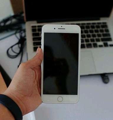 Apple Iphone 7 Plus | Gold 256 Gigabytes image 3