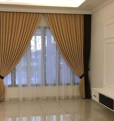 CURTAINS AND SHEERS DECOR image 1