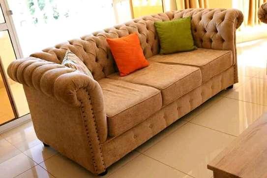Quicy furniture image 1