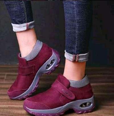 Sport shoe image 1
