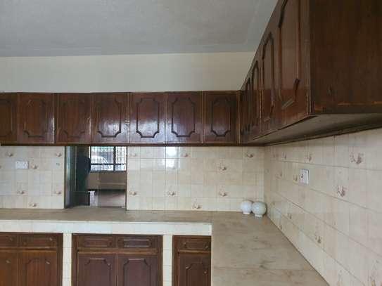 5 bedroom townhouse for rent in Westlands Area image 24