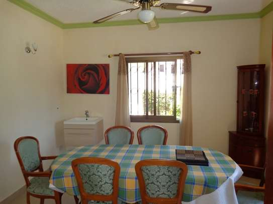 4 br fully furnished house with swimming pool for rent in Nyali. ID1529 image 4