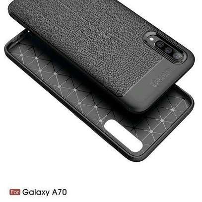 Auto Focus Case For Samsung Galaxy A70 - Black image 4