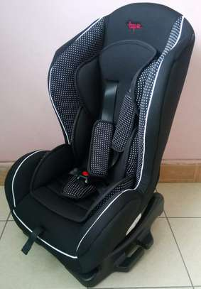 White Dotted Baby Car Seat