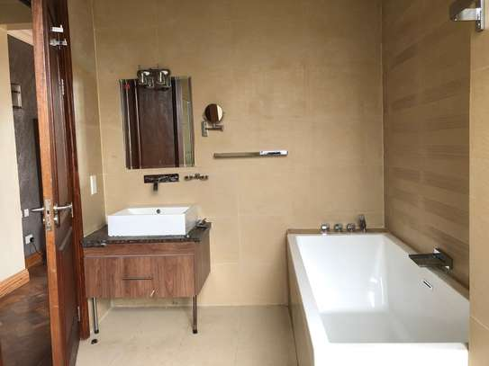 2 bedroom apartment for rent in Riverside image 7