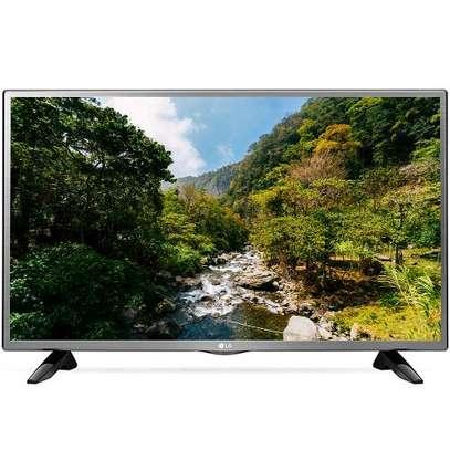 LG (32LJ570U) 32 inch Smart TV image 1