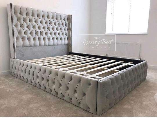 Bed 6*6 bed made by hand wood and good quality material maongany