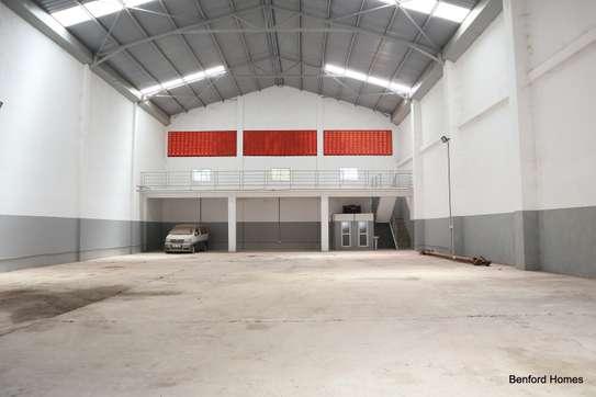 6000 ft² warehouse for rent in Mtwapa image 5