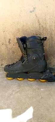 Skating shoes image 1