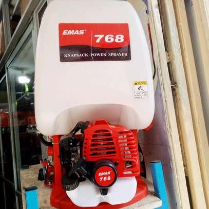 Engine sprayer image 1