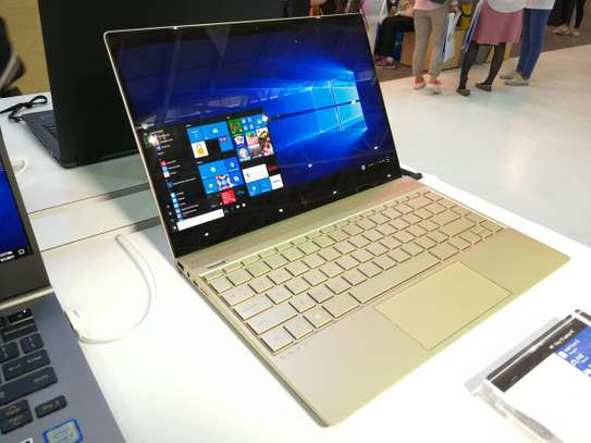 HP Model 1040 G5 Core i5 Touch Screen 4k image 2