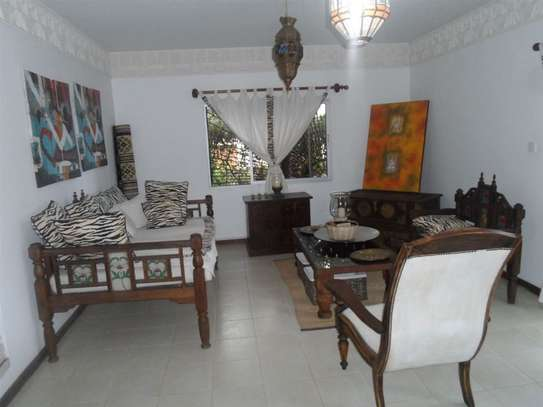 4 bedroom house for sale in Mkomani image 2