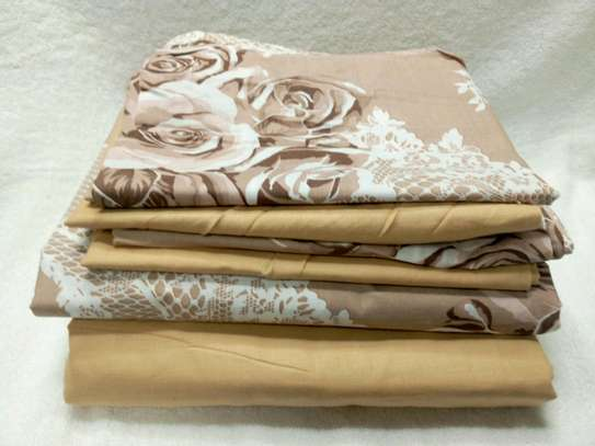 7  by 8 Boll & Branch Genuine Bedsheets with 1 Flat Sheet, 1 Fitted Sheet, and 4 Pillowcases image 3