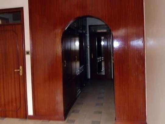 3 bedroom house for rent in Kileleshwa image 7
