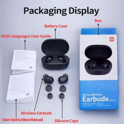 Mi earbuds image 2