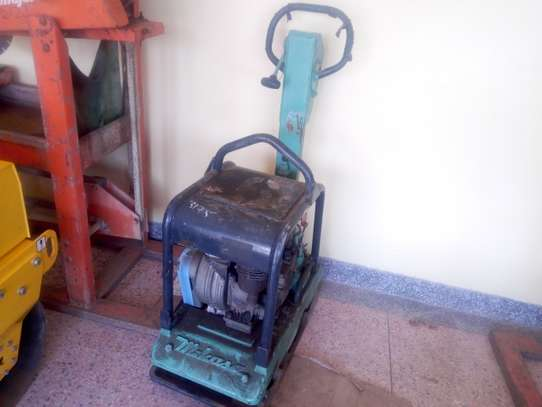 Equipment & Machinery Plate Compactor