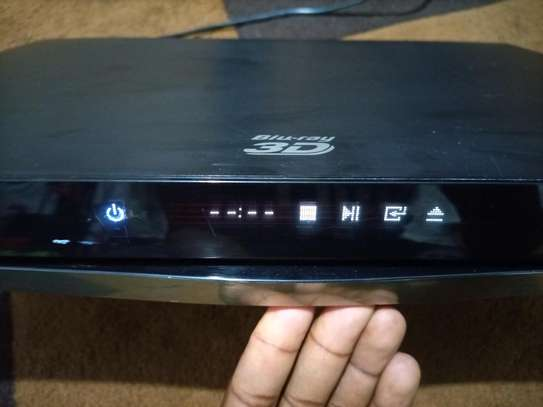 Ex uk Blu Ray DVD player model:BD-E8500m image 1