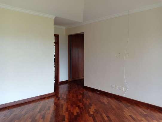 4 bedroom house for rent in Garden Estate image 9