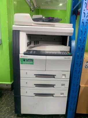 School use Kyocera km2050 photocopier machine image 1