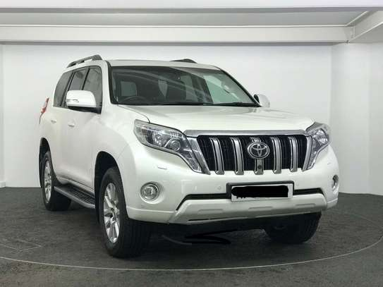 Toyota Land Cruiser 2.8 D-4D Invincible 4x4 5dr (7 Seats)