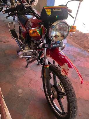 Motorcycle image 5