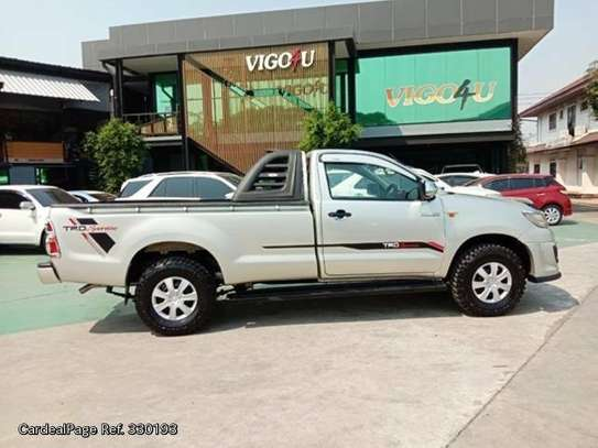 Toyota Hilux image 6