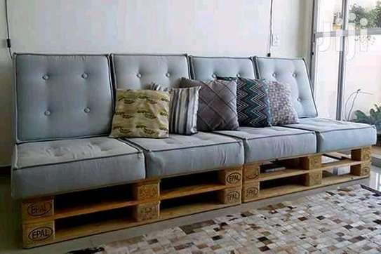 Simple Versatile Quality 4 Seater Outdoor Pallet Sofa image 1