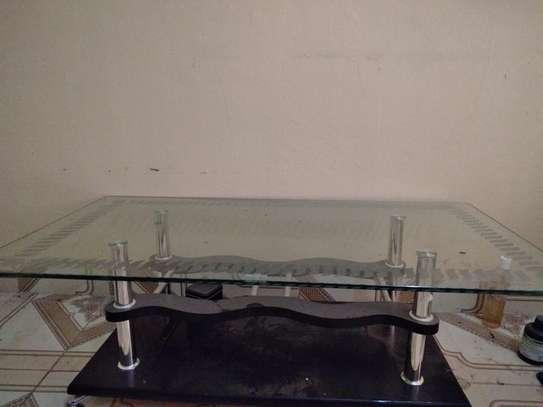 glass table image 3