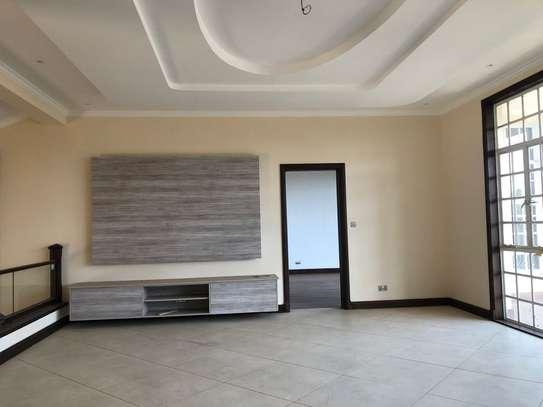 3 bedroom house for rent in Runda image 6
