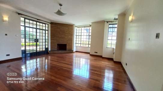 5 bedroom townhouse for rent in Lavington image 2