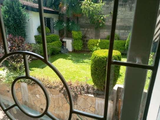 6 bedroom to let in kileleshwa image 3