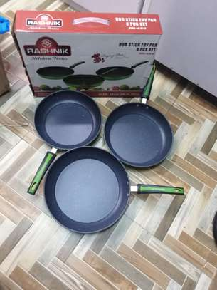 3 Piece Non-stick frying pans + 3 SILVER SPOONS image 3