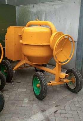 Brand new Italian concrete mixer
