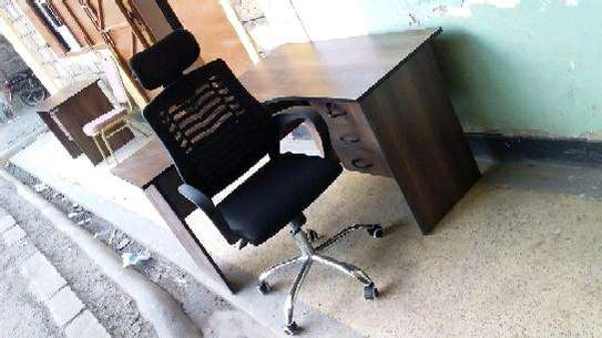 L shape office desk and chairs. image 1