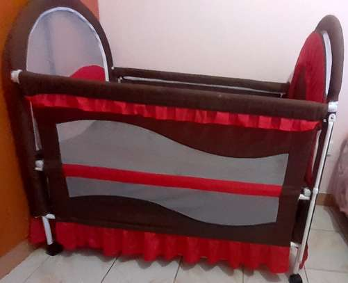 Baby cot - As good as new image 5