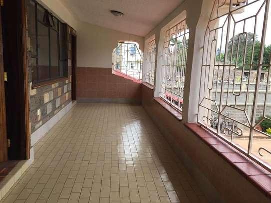 5 bedroom apartment for rent in Nyari image 14