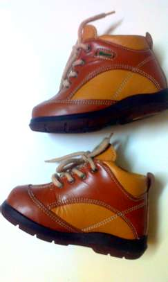 Leather shoe for toddlers image 2