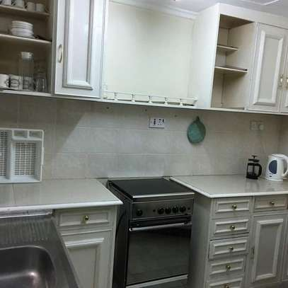 1 bedroom fully furnished cottage available for rent image 3