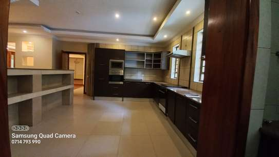 4 bedroom townhouse for rent in Spring Valley image 5