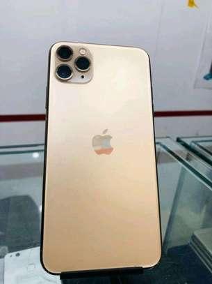 Apple iPhone 11 Pro Max 512GB Gold Edition image 4