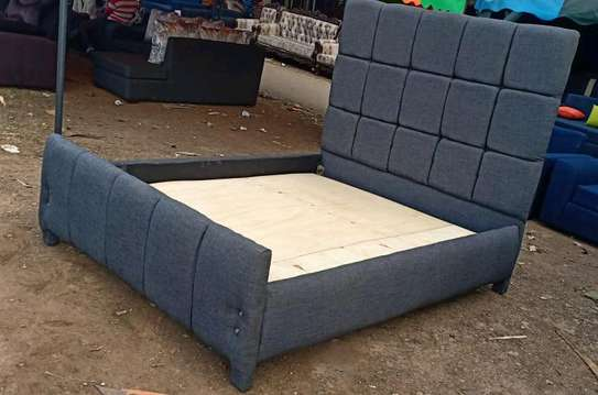 5*6 Modern Button Bed. image 3