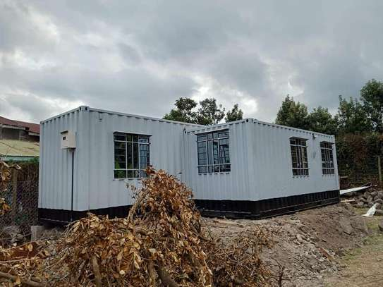 20ft and 40ft plain and fabricated shipping containers for sale and hire