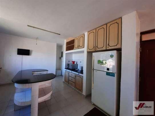 Runda - Flat & Apartment, House image 9