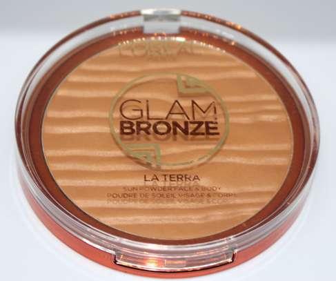 L'Oreal Glam Bronze La Terra Sunpowder Face Body image 1